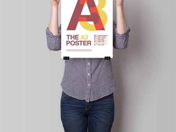 <span>Big Poster</span><i>→</i>